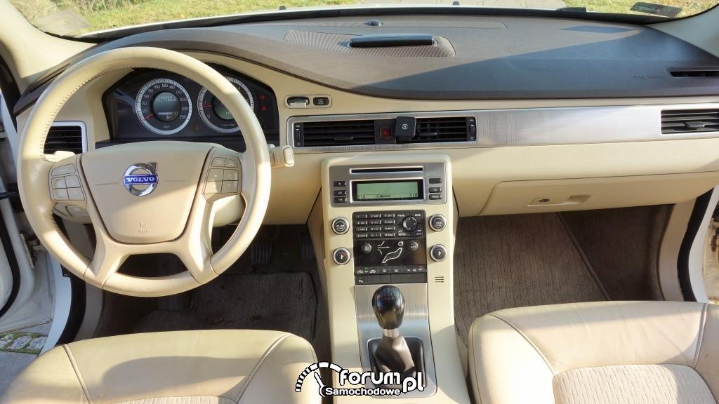 Volvo V70 D5 2010r. - wnętrze, deska rozdzielcza