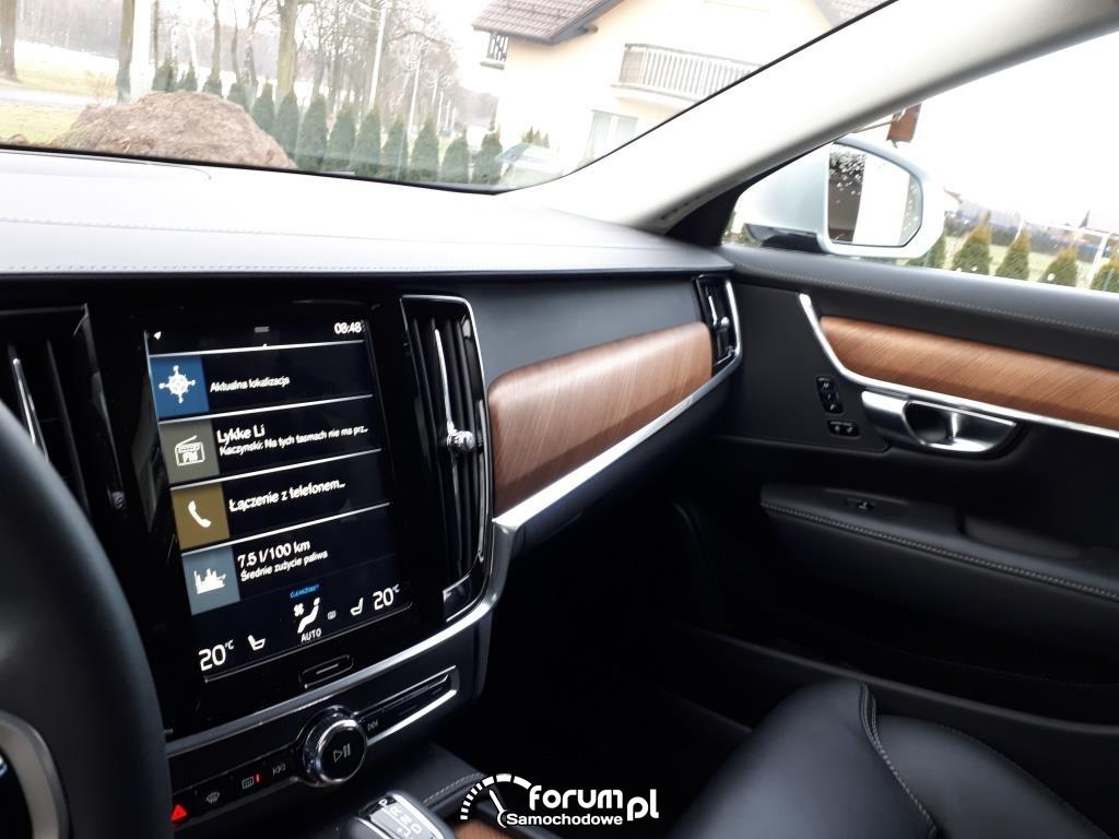 Volvo V90, centralny ekran multimedialny