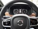 Volvo V90, multimedialna kierownica, licznik