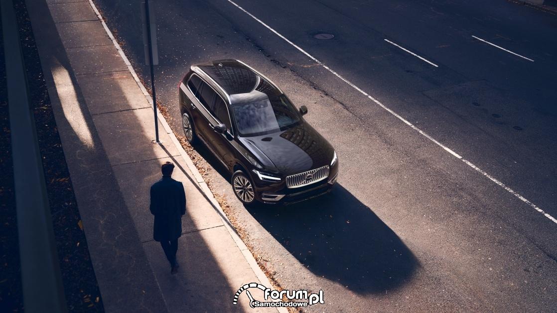 Volvo XC90 B5 235+14KM, Inscription, 7 osobowy, AWD, widok z góry