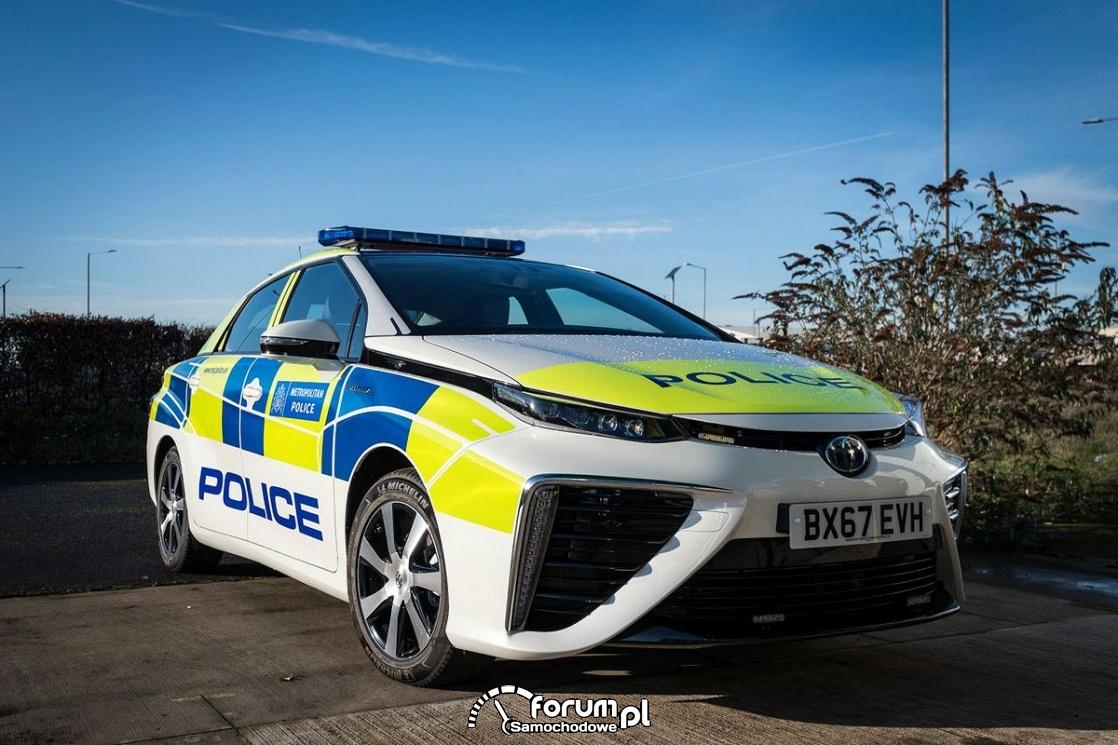 Policja w Londynie stawia na samochody zasilane wodorem