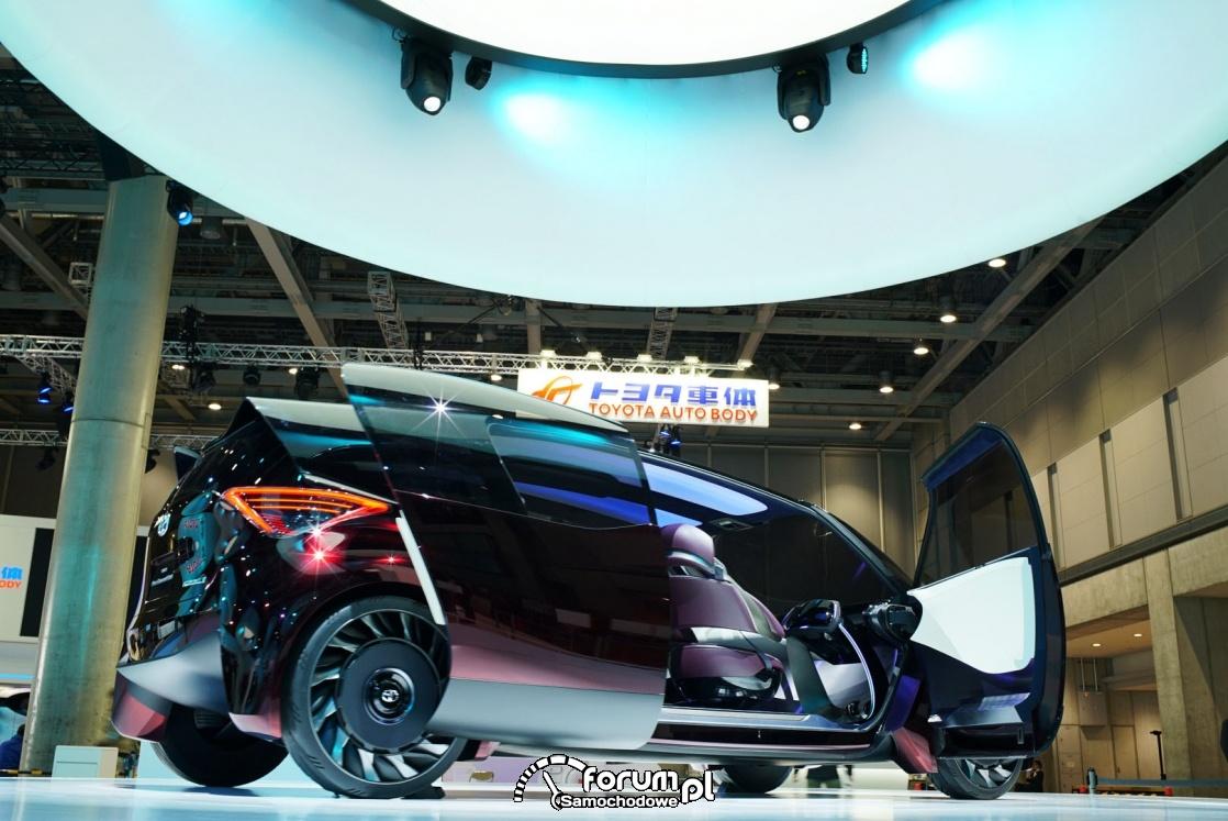 Toyota Fine-Comfort Ride, samochód wodorowy