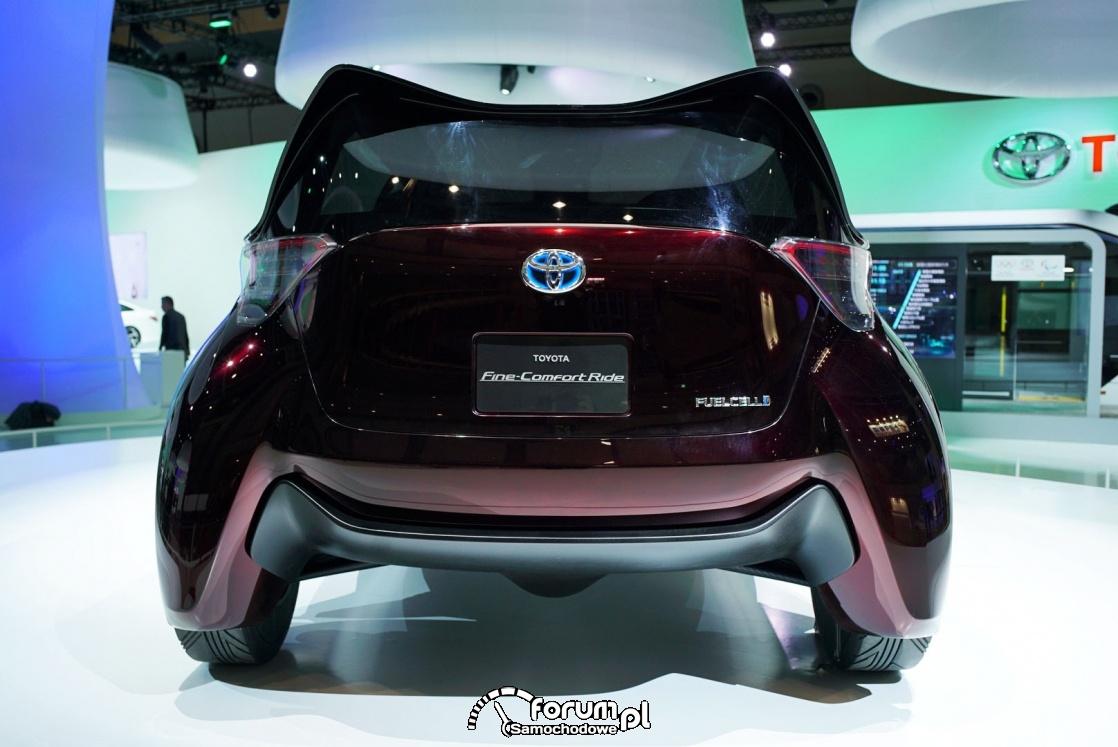 Toyota Fine-Comfort Ride, samochód wodorowy, tył