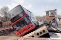 Autobus piętrowy na pochylni, Scania OmniCity