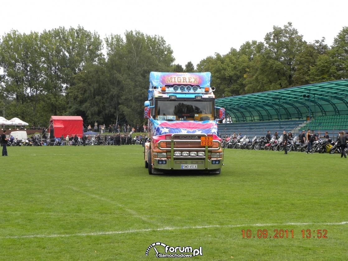 Scania seria T, aerografia, Scania z dziobem