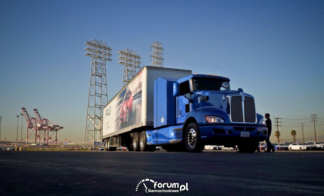 Wodorowa ciężarówka, parking, port