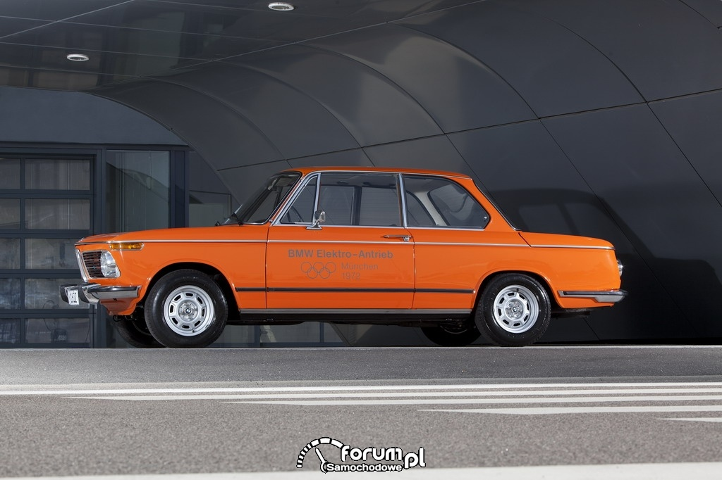 BMW 1602 Electric (1972), bok