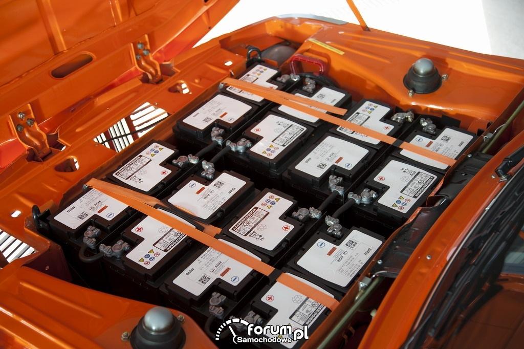 BMW 1602 Electric (1972), komora silnika z akumulatorami