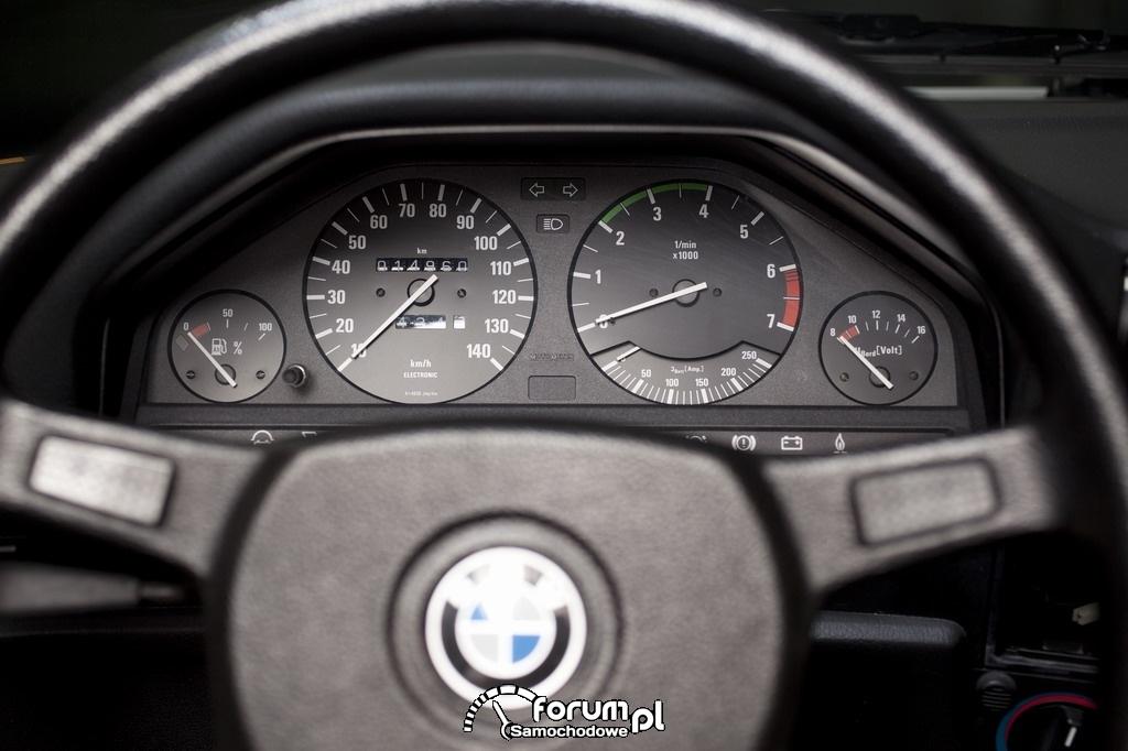BMW 325iX (1987-1990), licznik i zegary