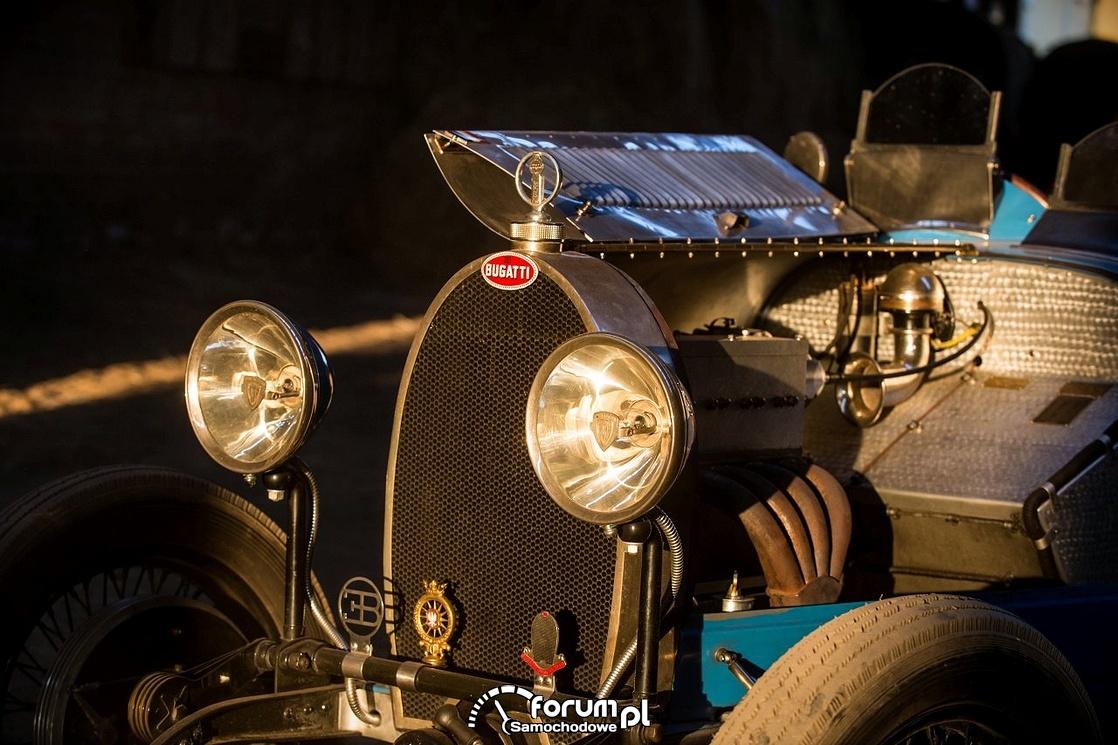 Bugatti T40, przednie światła i silnik