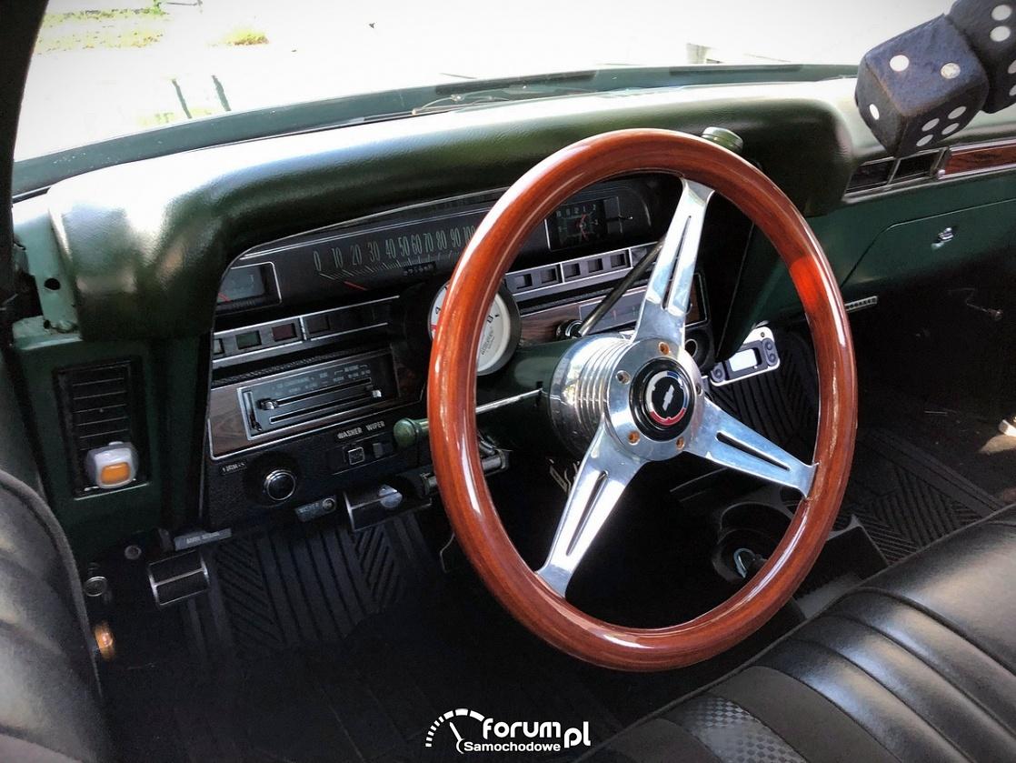 Chevrolet Impala 350, wnętrze, drewniana kierownica