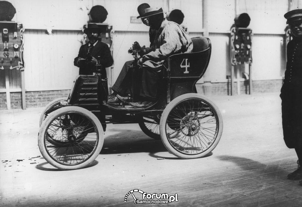 Renault Type A na wyścigach w Parc des Princes - 1900 r.