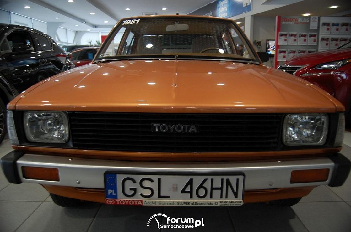 Toyota Corolla 1981 rok, przód