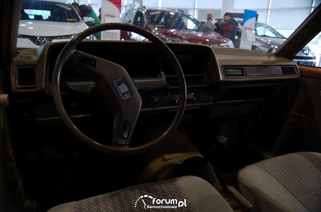 Toyota Corolla 1981 rok, wnętrze