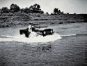 Toyota Land Cruiser seria J2, przejazd przez rzekę