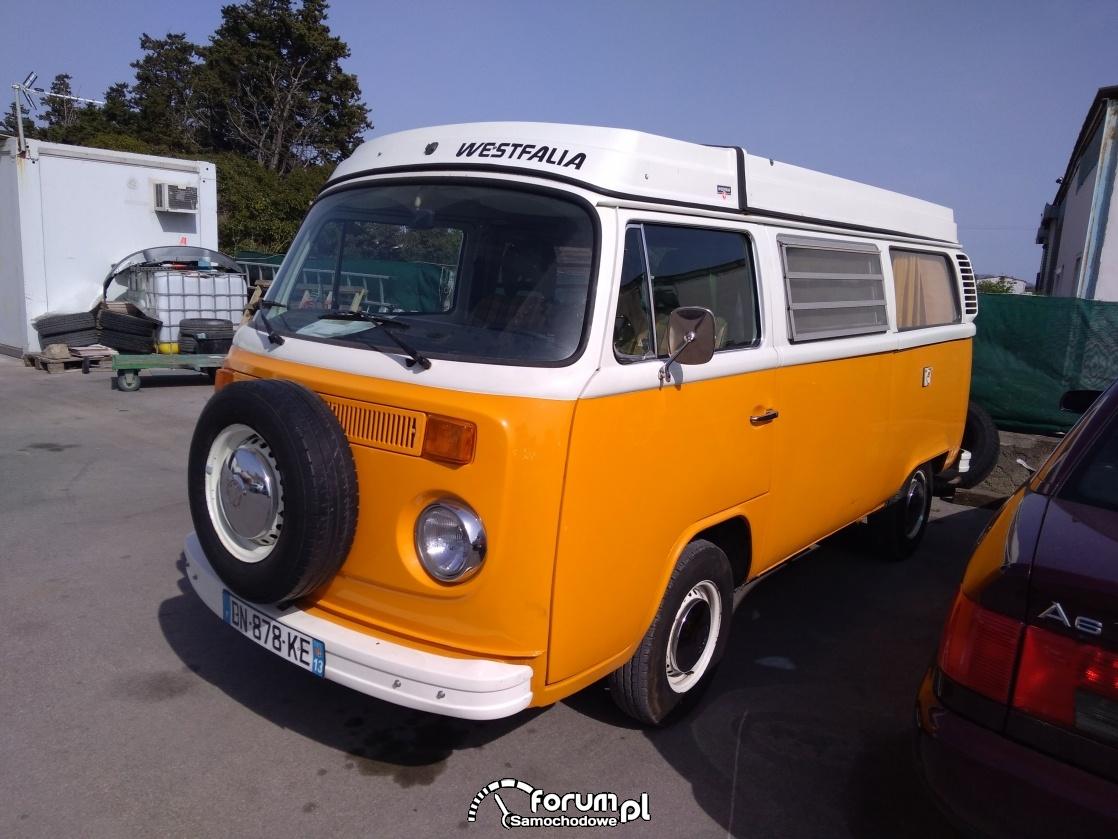Volkswagen T2 w wersji westfalia