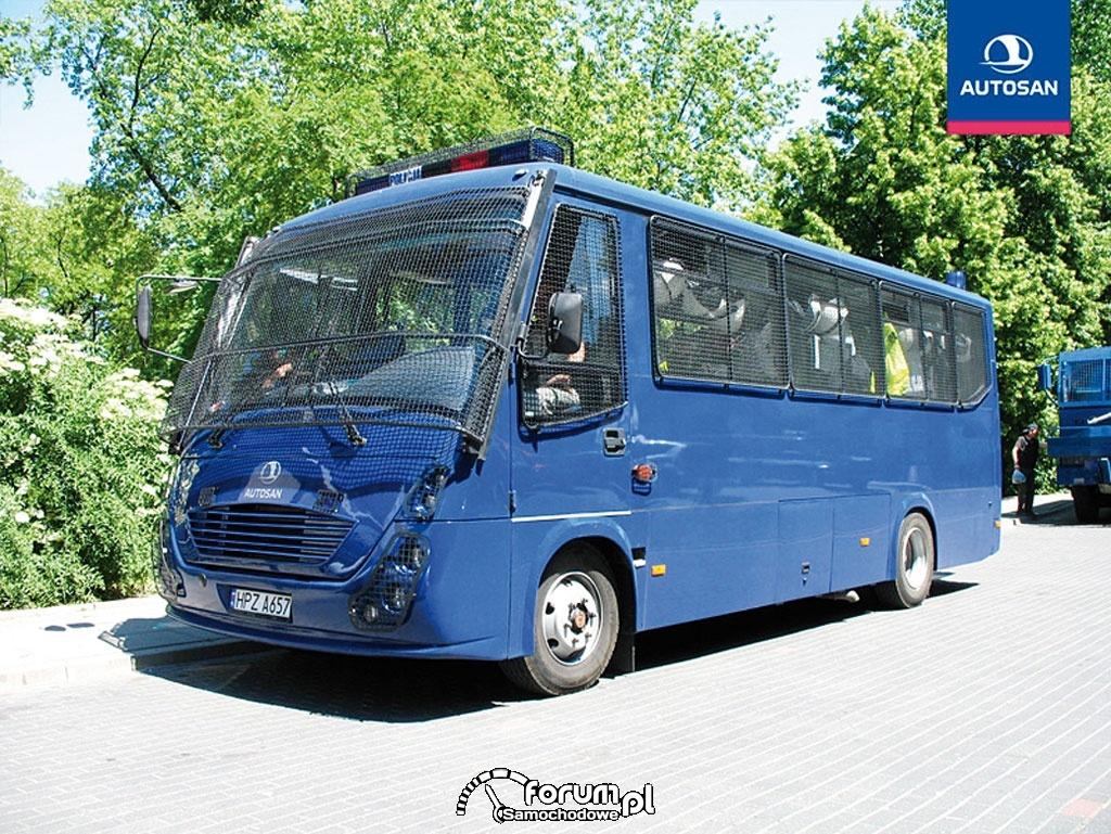 autobus-policyjny-autosan-autobus-specjalny-m13650.jpg