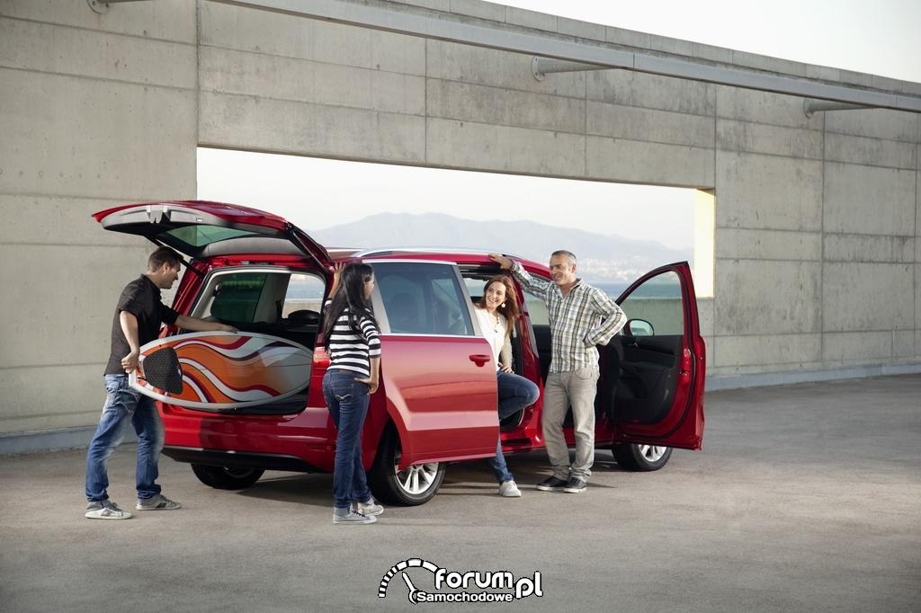 SEAT Alhambra - Auto Rodzinne