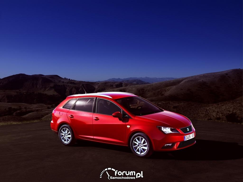 SEAT Ibiza ST 2012 1