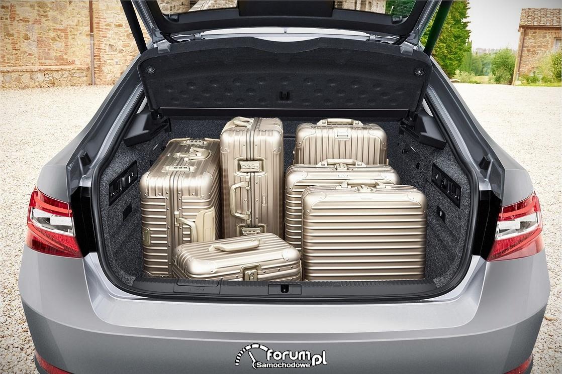 Skoda Superb, pojemny bagażnik