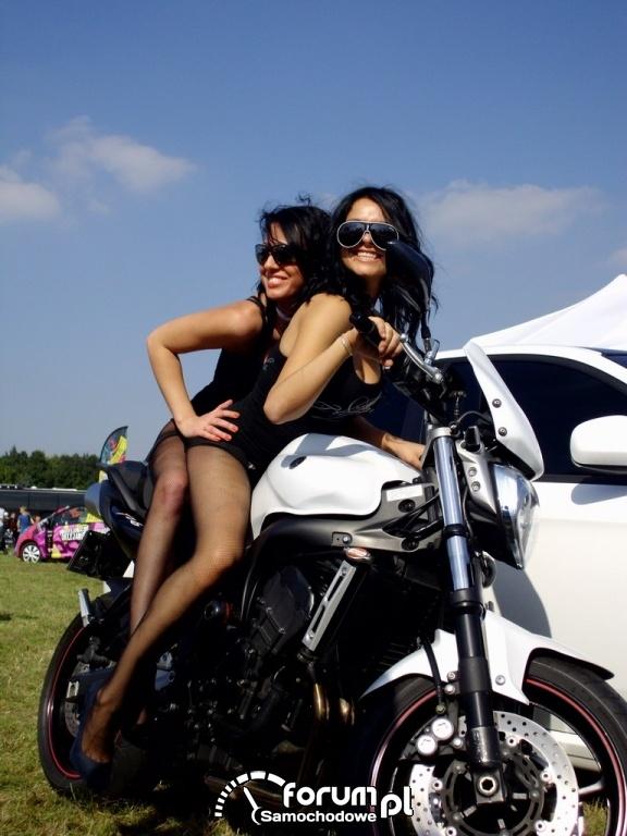 Dziewczyny na motorze