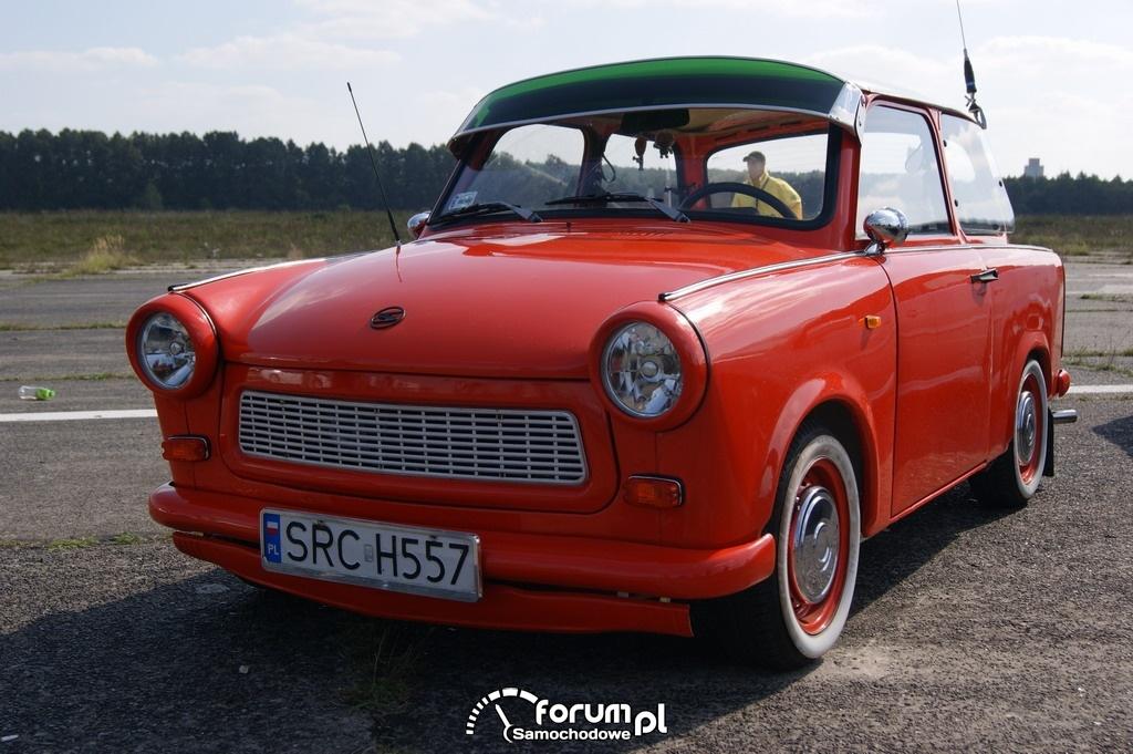 Pomarańczowy Trabant
