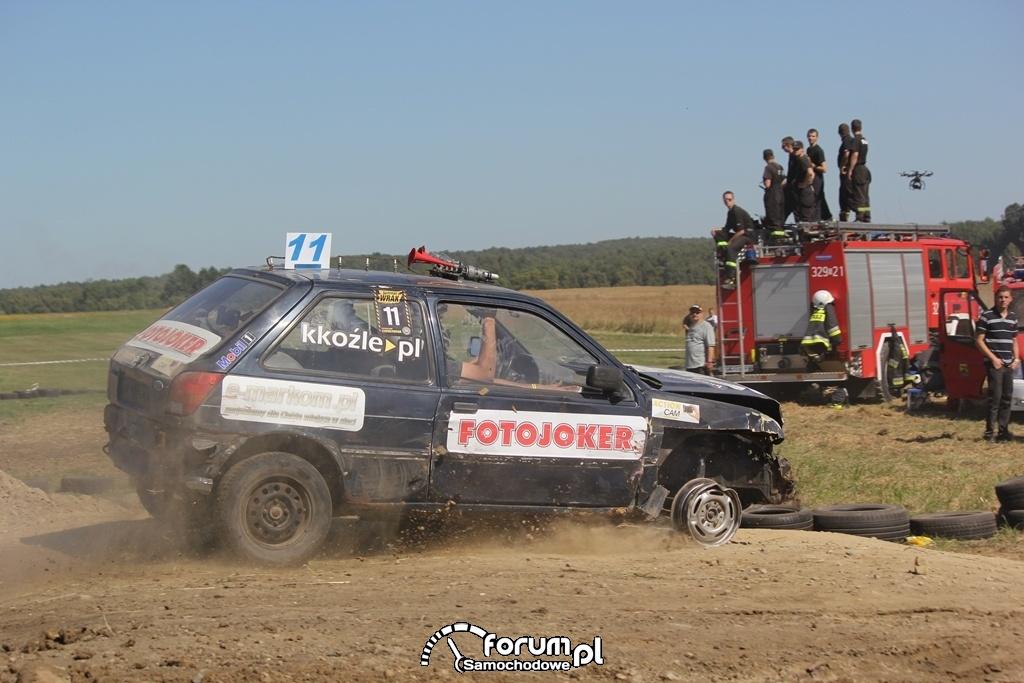 Fiesta bez przedniej opony, Wrak Race