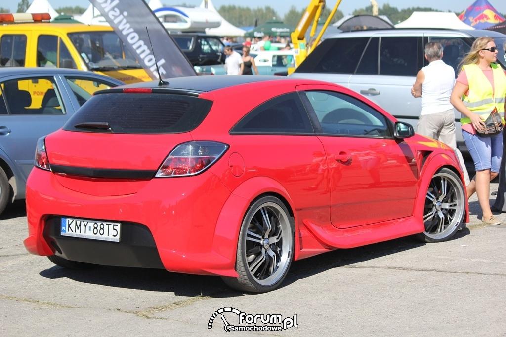 Opel Astra 3 GTC, czerwona