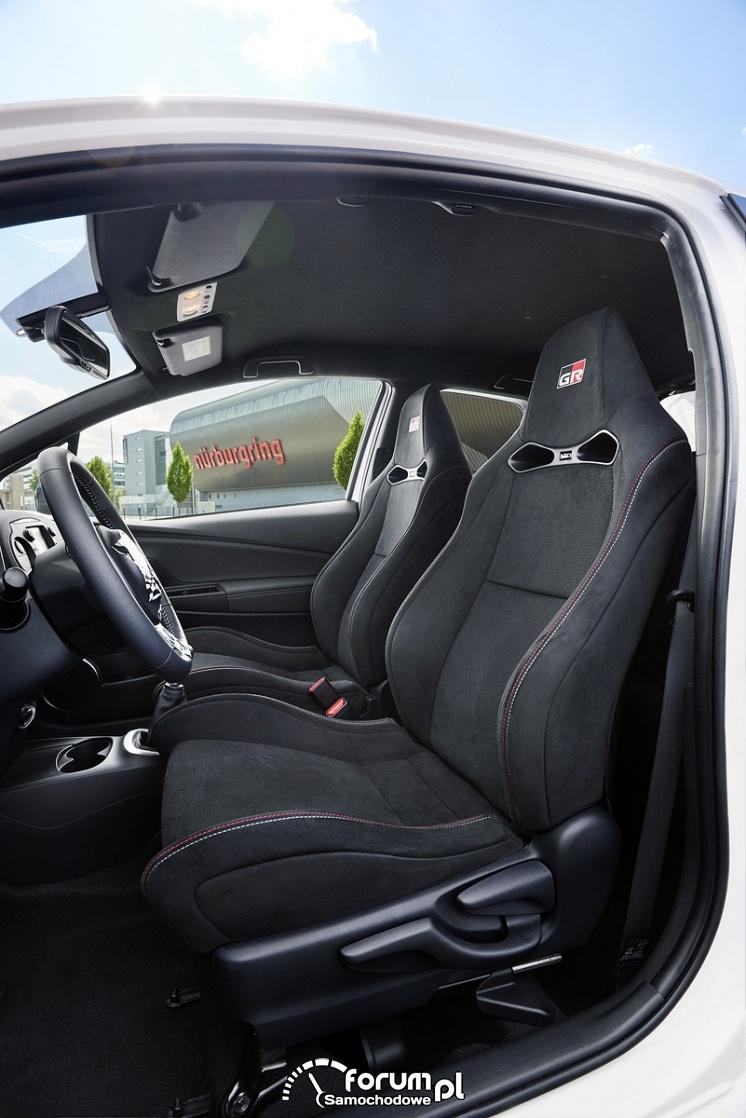 Fotele kubełkowe, Toyota Yaris GRMN - hot hatch