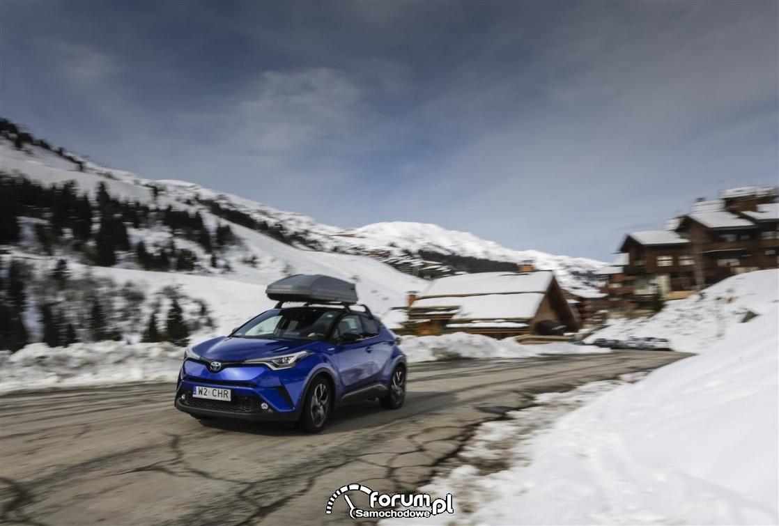 Góry, zima, Toyota C-HR HYBRID