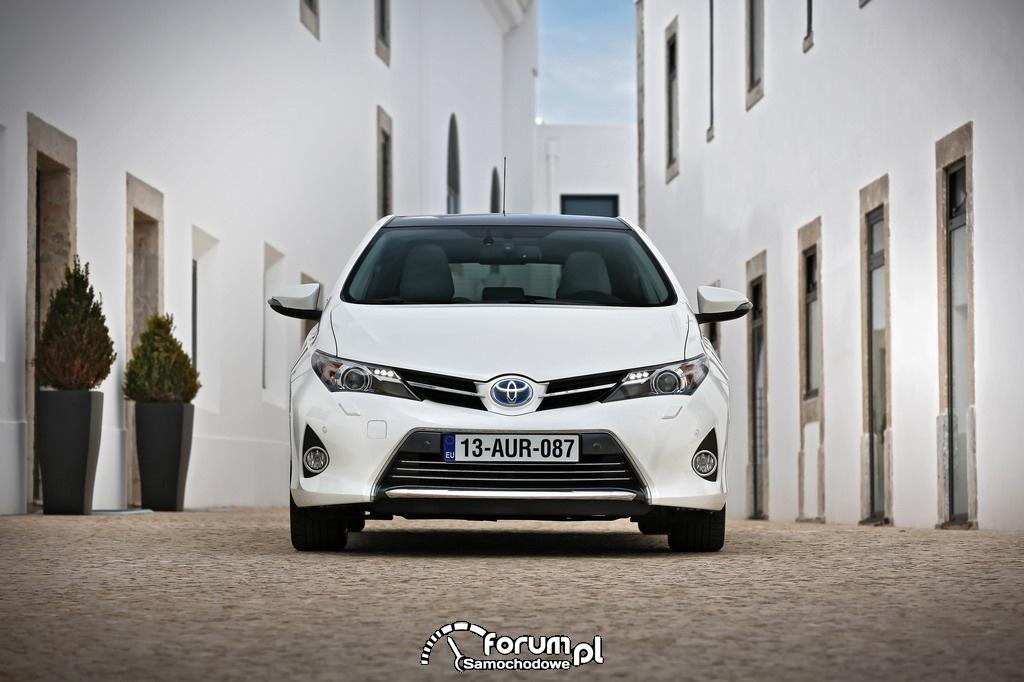 Hybrydowa Toyota Auris, przód