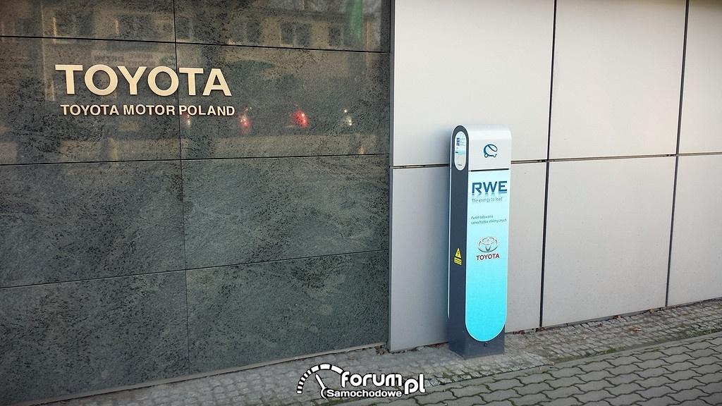 Punkt ładowania samochodów elektrycznych, Toyota