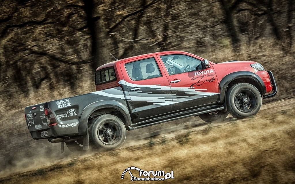 T-REX - Toyota Hilux Racing Experience, bok