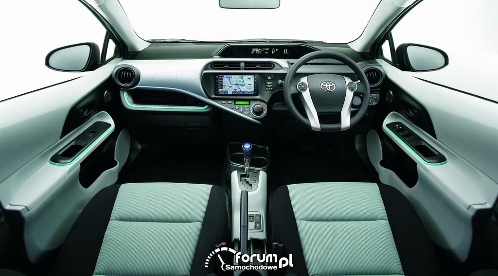 Toyota AQUA - wnetrze, kompaktowy pojazd hybrydowy 1