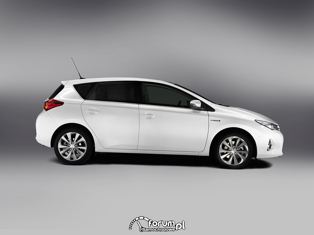 Toyota Auris, bok, 2013