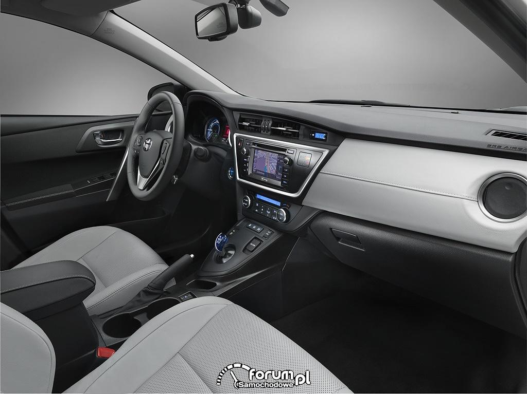 Toyota Auris Hybrid, wnętrze