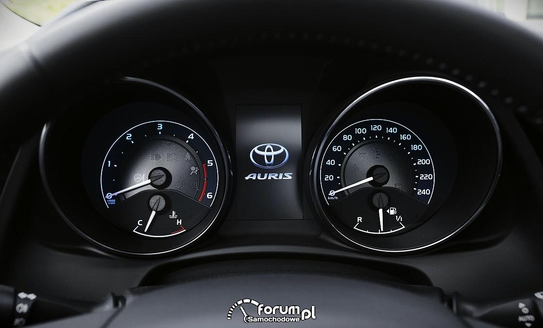 Toyota Auris, licznik, 2015