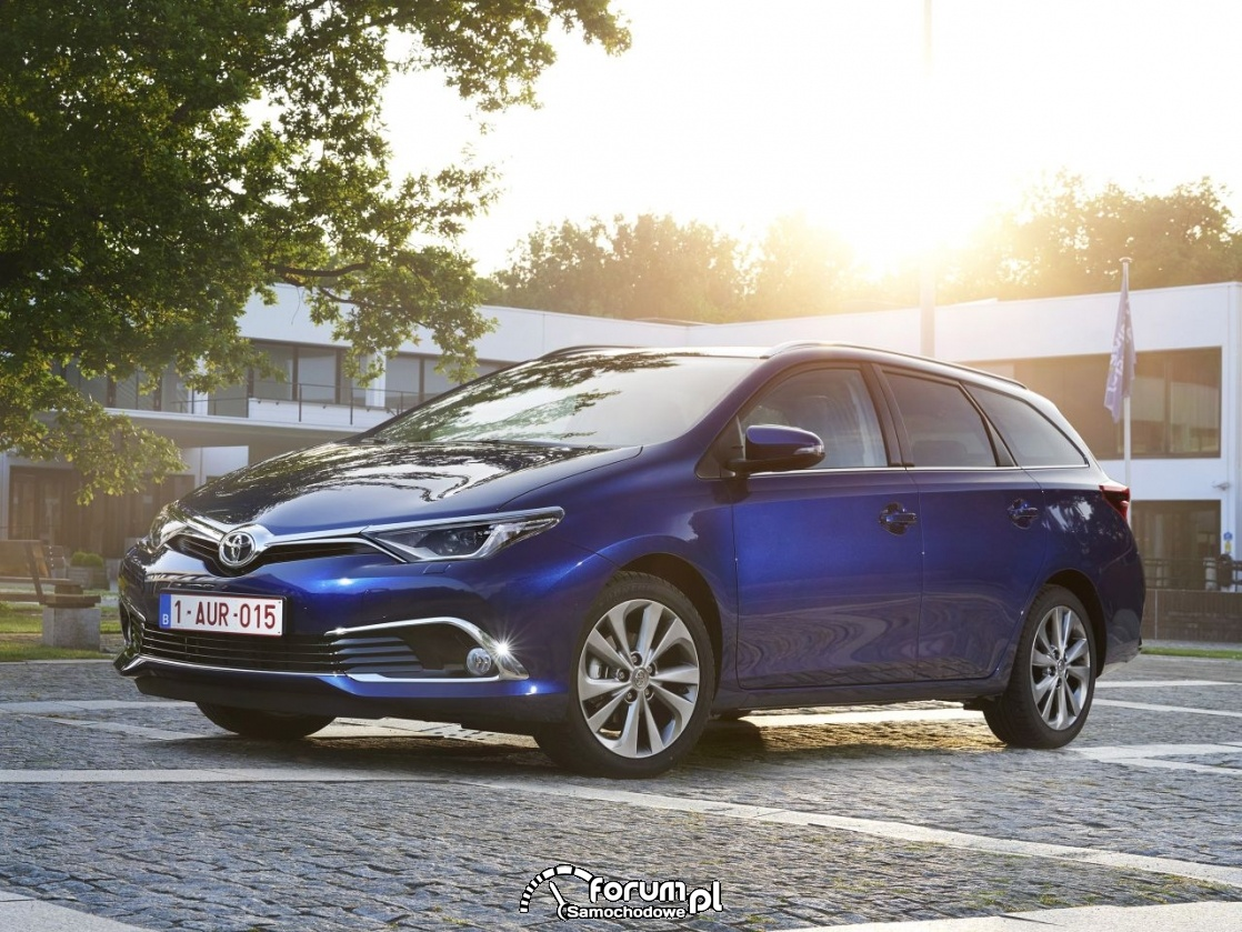 Toyota Auris Tourer Sports, 2015