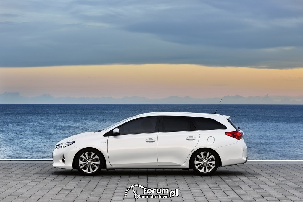 Toyota Auris Touring Sports Hybrid, bok