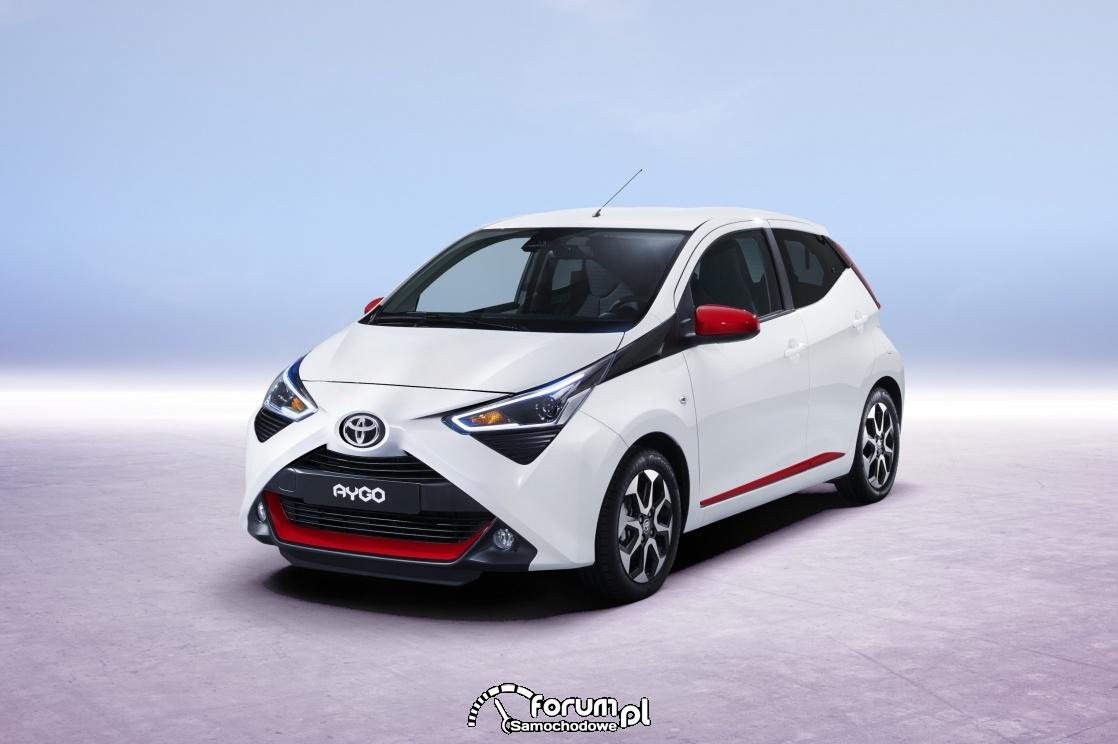 Toyota AYGO 2018, przód, biały