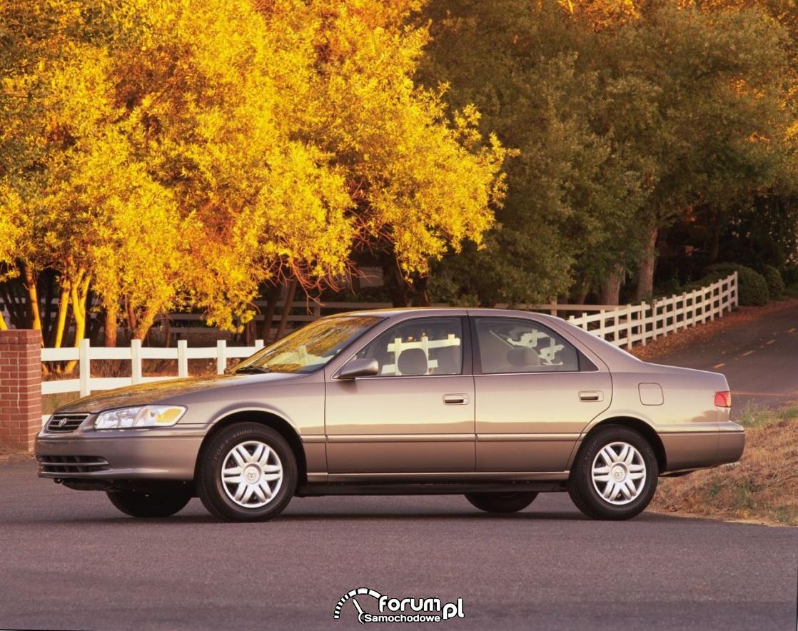 Toyota Camry, 2000 rok