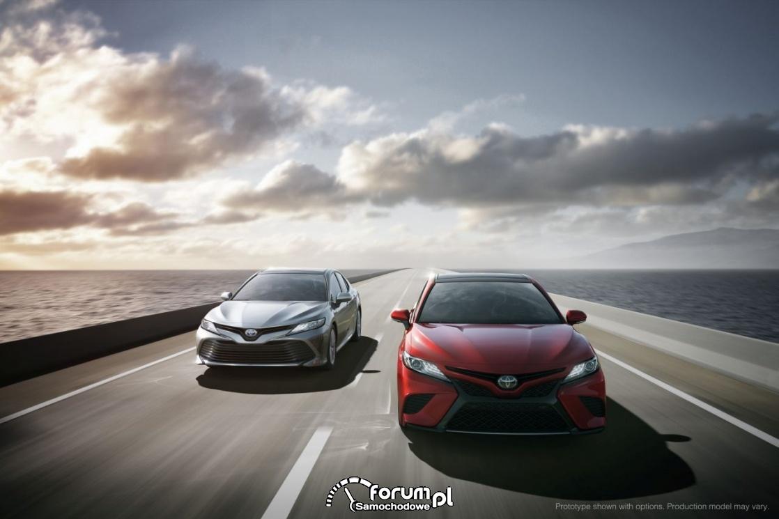 Toyota Camry hybrid, przód, 2018 rok