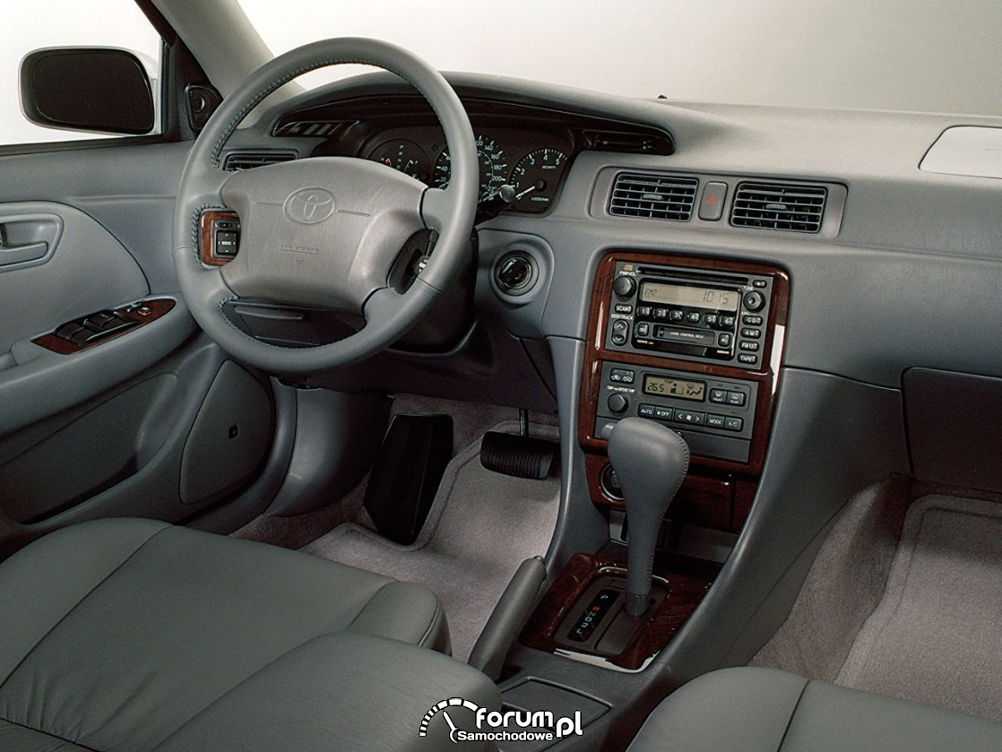 Toyota Camry IV generacja, wnętrze