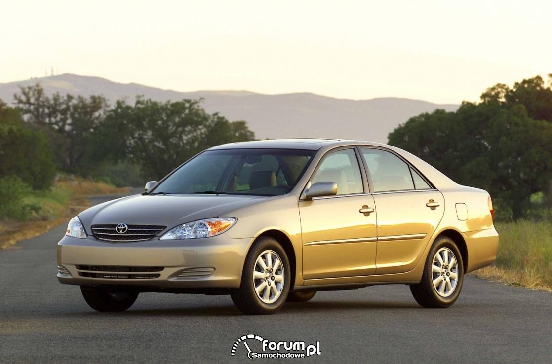 Toyota Camry XLE, 2002 rok