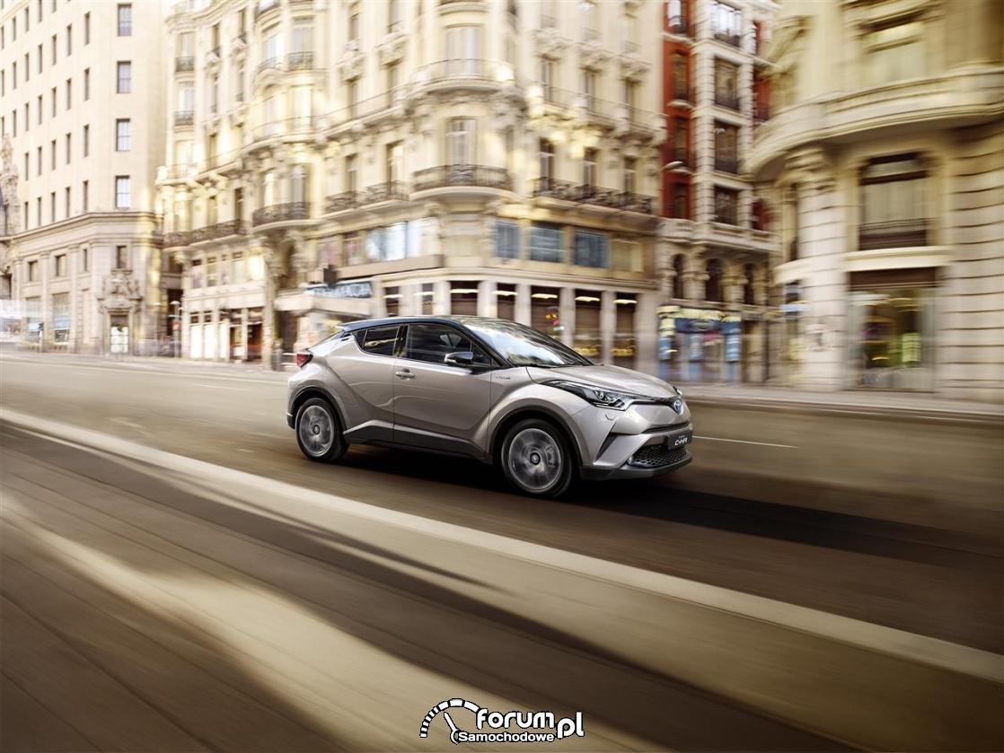 Toyota CH-R, 2016
