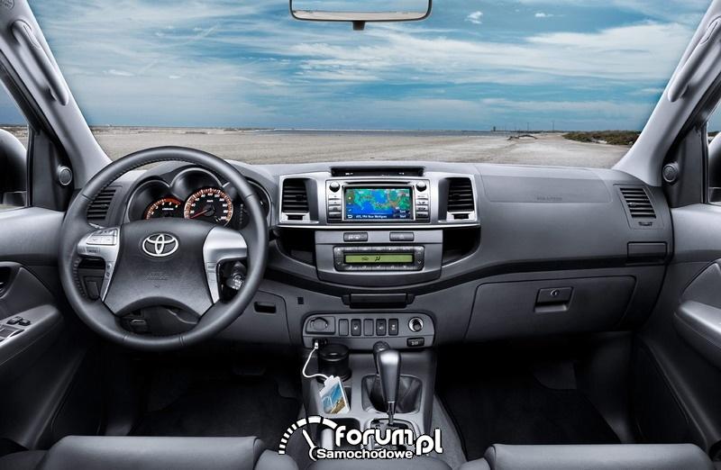 Toyota Hilux 2012 - wnętrze
