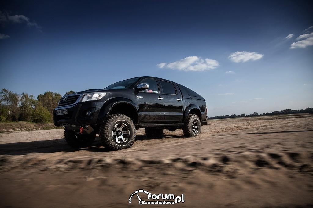 Toyota Hilux Adventure, piasek, off-road, 2