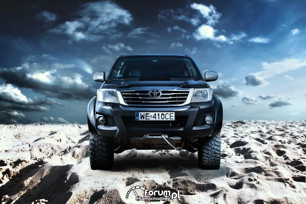 Toyota Hilux Adventure, przód