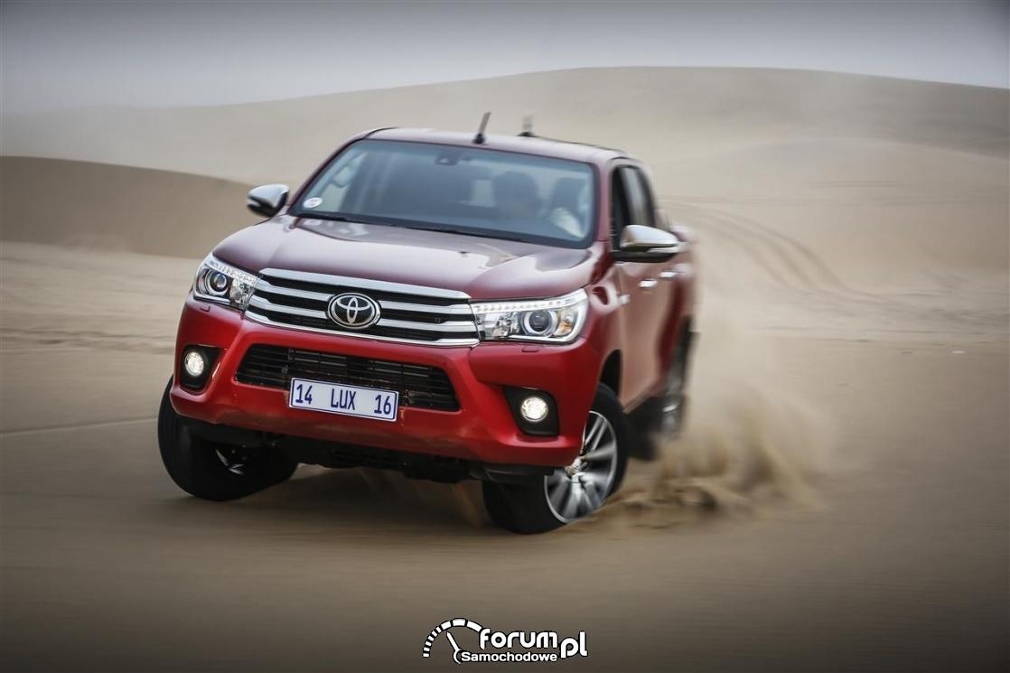 Toyota Hilux, przód, 2017