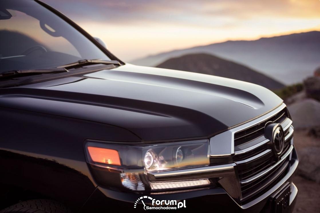 Toyota Land Cruiser 300 – silnik V6 i napęd hybrydowy
